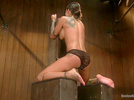 Bonnie Rotten Uncontrollable Squirting Orgasms