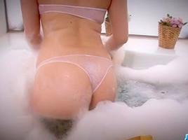 Breasty Alice Ozawa vibrates her corpulent oriental cunt