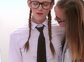 Kira Zen & Naomi Bennet in Student roleplay strap on lesson - Girlfriends