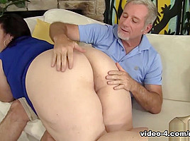 Lady Lynn in Big Titted Mature Bbw Lady Lynn Gets Her Pussy Drilled - JeffsModels