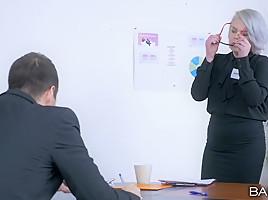 Cherry Kiss in Handy Presentation - OfficeObsession