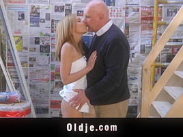Older man licks Nataly's young pussy