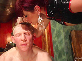 Rob Yaeger & Maitresse Madeline Marlowe in Maitresse Madeline Visits Famous Midtown Manhattan Dungeon - DivineBitches