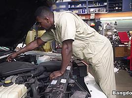 Jade Jantzen in Mechanic Has The Biggest I've Ever Seen - MonstersofCock