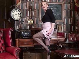 Mrs Huntingdon Smythe in Masturbation Class - Anilos
