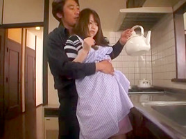 The Young Wife Yoshizawa Akiho which was violated in front of the Rape X Minimal Mosaic husband