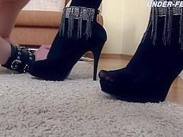 Under feet com