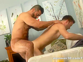 MenOver30 Video: Muscle Milk