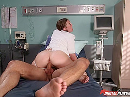 Danny Mountain & Jodi Taylor  in Fire & Ass