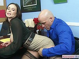 Kendra Lust & Derrick Pierce in Naughty Office
