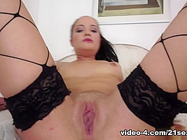 Dolly Diore in Solo Fisting with Dolly Video