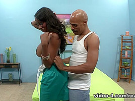Codi Bryant & Justin Long in Horny milf finds the massive dick of her dreams  - RealBlackExposed