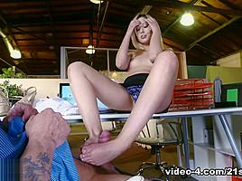 Goldie Rush in Footsie In The Office, Scene #01 - 21Sextury
