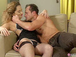 Ameli & George in Horny Housewife - MomXXX