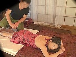 Mom Gets Herself A Happy Ending - MilfsInJapan