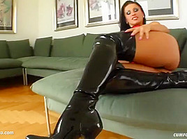 Facial group cumshots for Nikki Rider on Cum For Cover in a blowbang scene