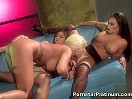 Claudia Valentine Licking Michelle Mclaren & Kita Zen