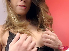 Charming Trans Babe Jaqueline Dark Masturbates with the Help of a Butt Plug