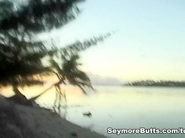 Seymore Gets A Blowjob On A Secluded Beach-
