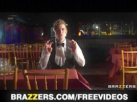 Brazzers - HAWT UK waitress Jasmine Jae is taught to squirt