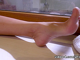 Cherry Kiss,David Perry in French Pedicure For The Hubby - 21Sextury