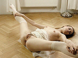 Hairy Brit Les Licking And Fingering In Stockings-