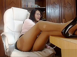 Pantyhose secretaria masturbation-