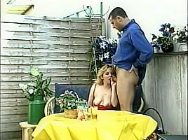 English slut Karen loves drinking piss-