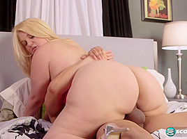 Mazzaratie Gets A Cream Filling - XLGirls