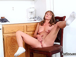 Cyndi Sinclair In Cumming In The Kitchen Anilos