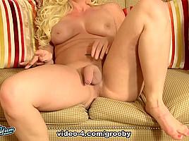 Blonde Bombshell Stacy Jackson - GroobyGirls
