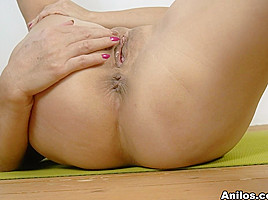 Lira Kissy In Yoga And Masturbation Anilos