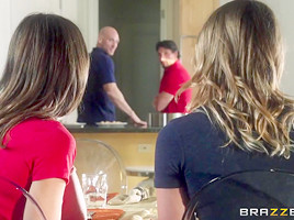 Brazzers Exxtra: Daughter Swap. Dakota James, Riley Reid, Johnny Sins, Tommy Gunn
