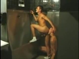 sexo homo no banheiro publico MAGMA FILM Action in the bathroom