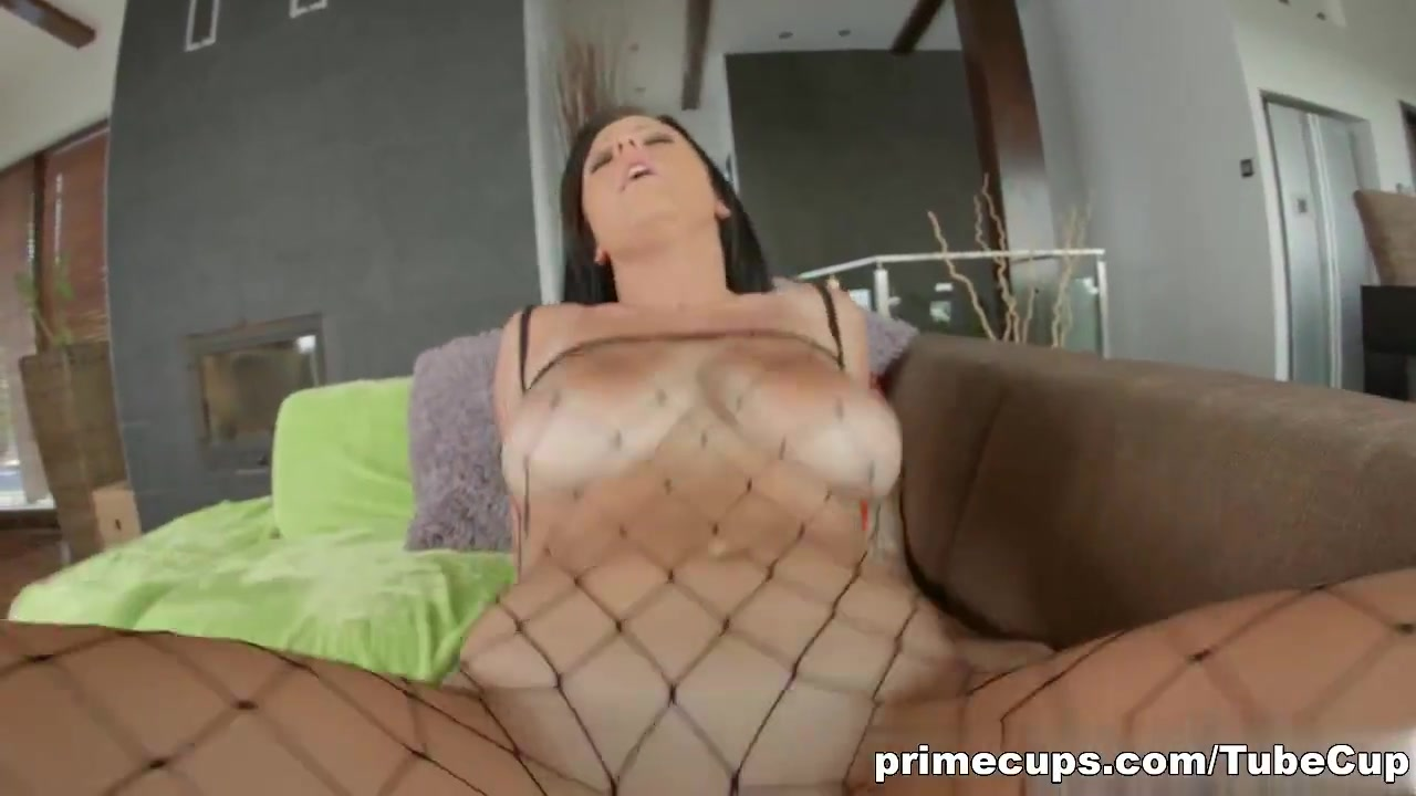 Amy Wild Torrent Porn busty claudia hot gets her pussy fucked until a throbbing
