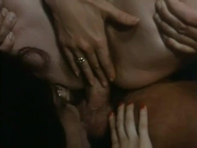 Vedo Nudo (1993) 1 of three girls watch nude boys swim