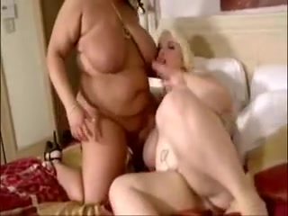lesbo play