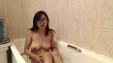 pretty Asian blow job 4 Naked girls showers move free