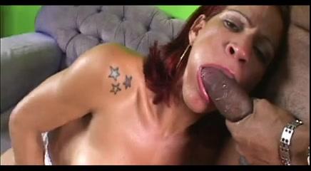Huge dong for a redhead TS slut Lesbains Bailee, Keisha Kane pleasure each other