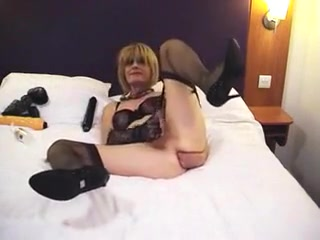 Horny Mature Fucks Her Asshole with Giant Dildo Nubiles play with weenies & dildos