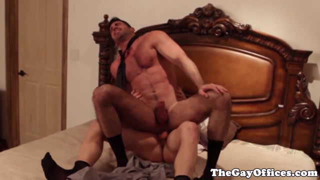 Muscled business hunk fucked by young stud Fulanax com anal gala brown