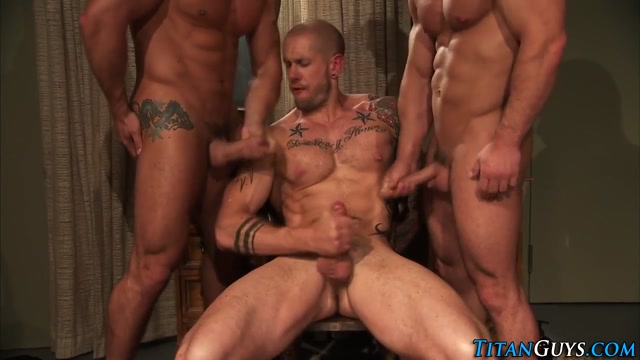 Threeway buff hunk jizzed Pictures Of Naked Asian Men