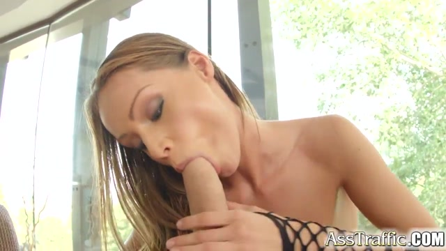 Asstraffic Sophie Lynx teases by the ###l before ass sex naked emo boy pics