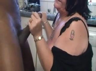 Grannies Likes BBC2 small sexy girl fuked