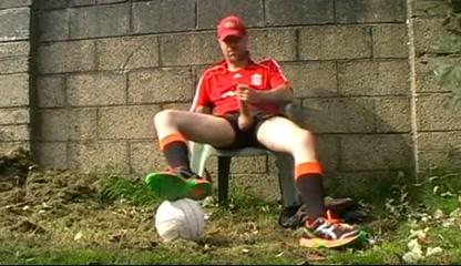 Str8 soccer daddy stroke in backyard Male erotic personality quiz