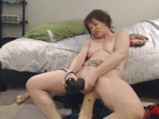 DGG plays on her webcam Horny matures pics