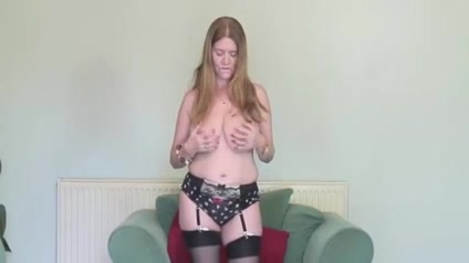 MILF Mommy Masturbating Solo Anal amature sex pic cell phone