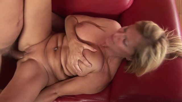 Captivating Mature Beauty Xxx bridget the midget pussy