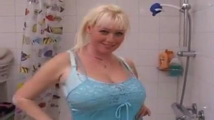 gros seins sous la douche jennifer love hewitt getting fucked