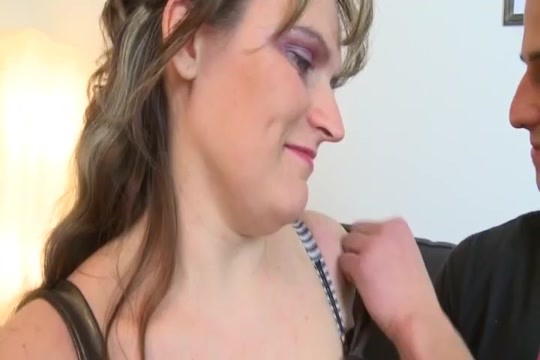 Floppy Cougar Wife fucks black cock pay big tits